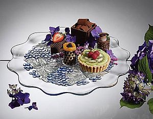legless cake satnd 49