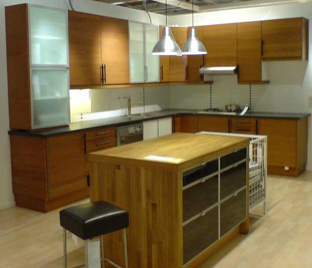 Maximizing kitchen cabinet storage