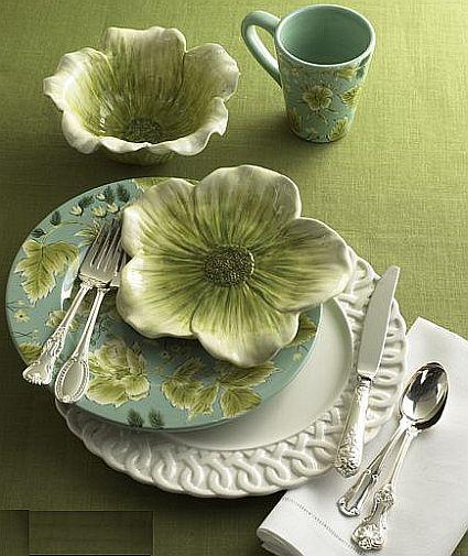 sixteen piece vintage floral dinner set 49