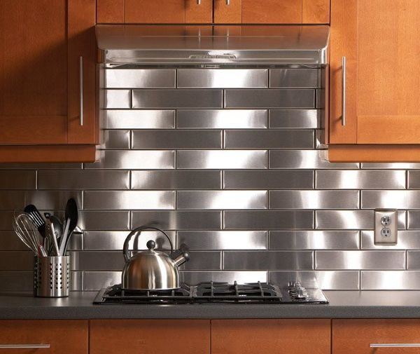 5-kitchen-stainless-steel-backsplash