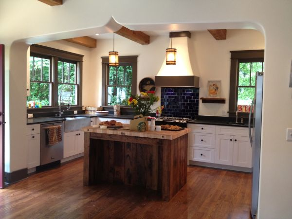 Disstressed-Reclaimed-Wood-Kitchen-island