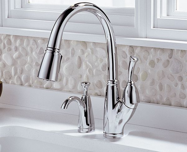 F 4 Allora-kitchen-faucet-Chrome-soap-dispenser_Delta