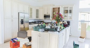 clutter  in  kitchen