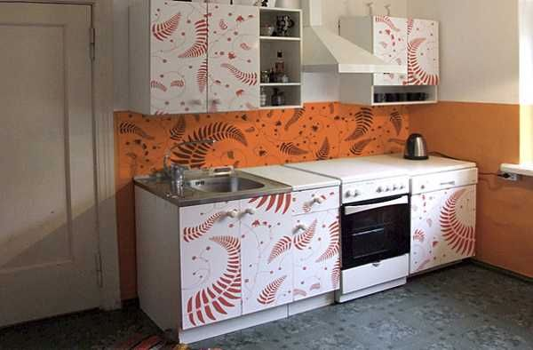 decorating cabinets with stickers (1)