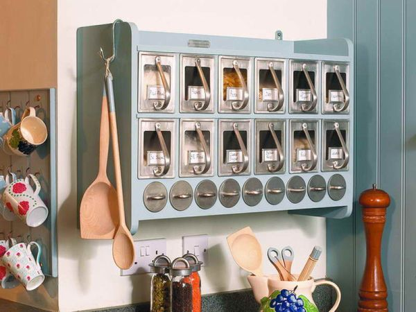 organizing kitchen 1